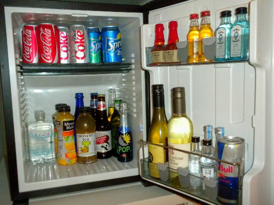 Kimpton Hotel Monaco Baltimore Inner Harbor: Fully stocked refrigerator.