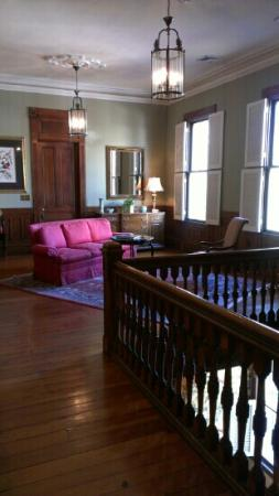 The Governor's House Inn : second floor lounge