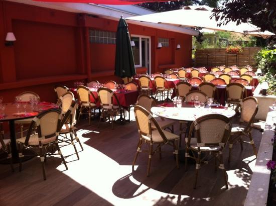 La terrasse fotograf a de la table de chessy chessy - La table de chessy ...