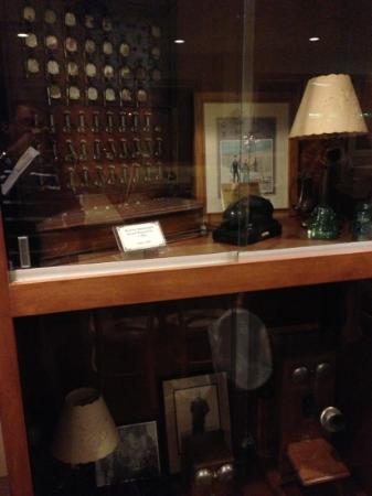 Western Sizzlin Steak House: old phones.. western sizzlin