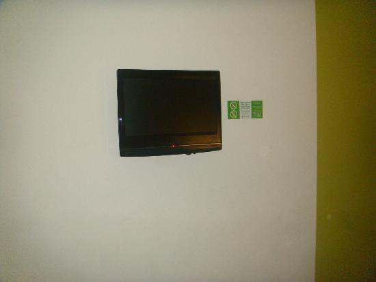 Go Hotels Mandaluyong: flat screen tv
