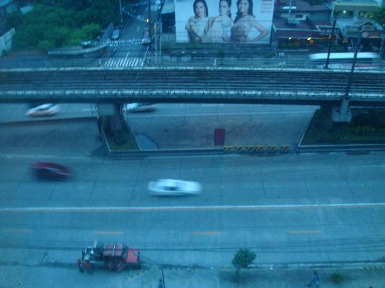 Go Hotels Mandaluyong: view from the top