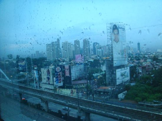 Go Hotels Mandaluyong: view