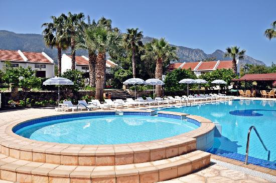 Almond Holiday Village : pool area