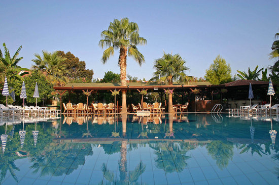 Almond Holiday Village: The Pergola Restaurant