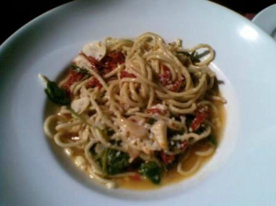 Flavor Bistro: NINA'S PASTA ~ Thin Pasta, Garlic, Arugula, Dried Tomatoes, Olive Oil, Lemon, Pecorino Cheese. D
