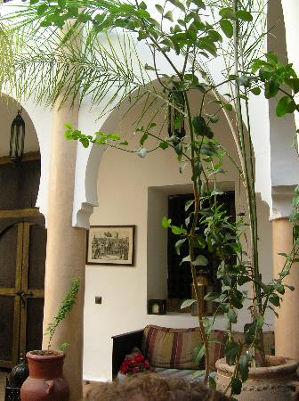 Riad Mur Akush: The Central Courtyard