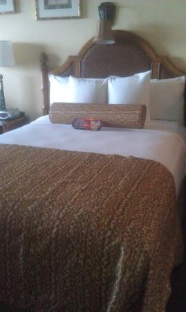 Bilmar Beach Resort : Two double beds - very comfortable