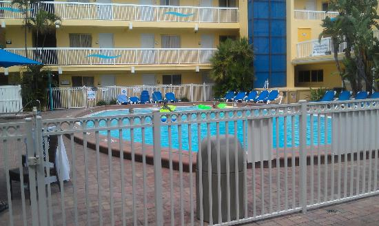 Bilmar Beach Resort: Main pool area