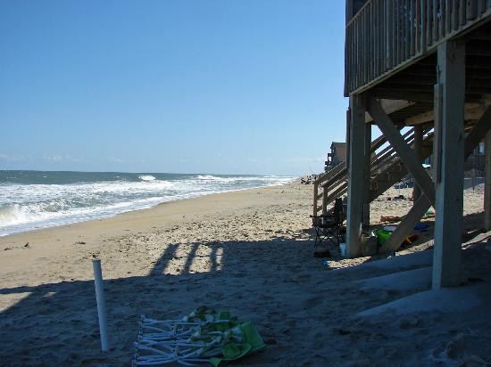 Outer Banks Motel: Look how close we are to the water! September, 2012