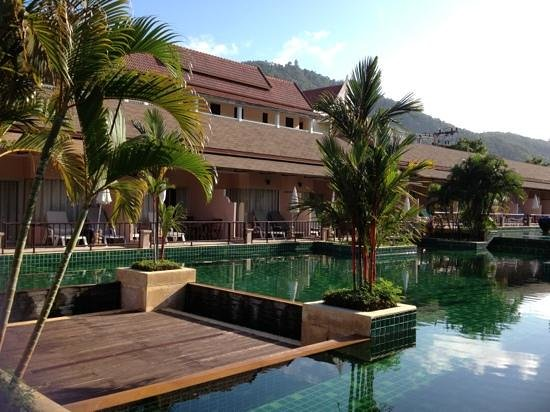 Phuket Kata Resort :                   pool access room wz mountain & big buddha view:)