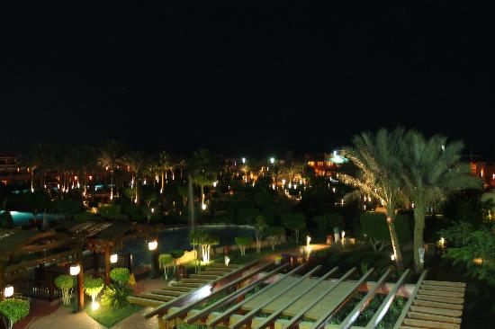 Coral Sea Holiday Village: View from entertainmen centre, looking down to beach