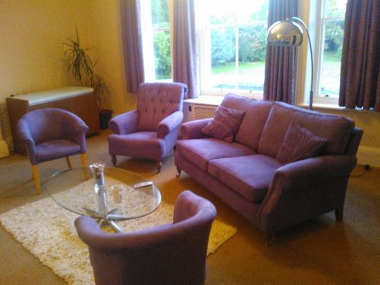 Chancellors Hotel: adjoining conference / sitting room