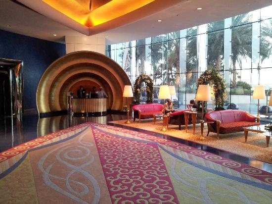 Burj Al Arab Jumeirah: Lobby (2)