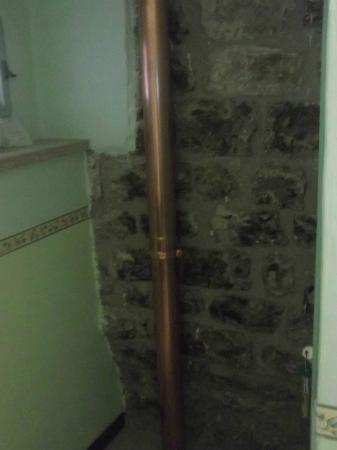 """Grotta Antica Hotel: Particolare della muratura """" A vivo"""""""