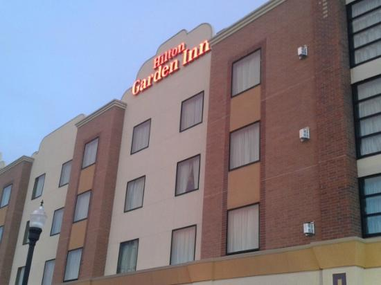 Hilton Garden Inn Ogden UT: side of building