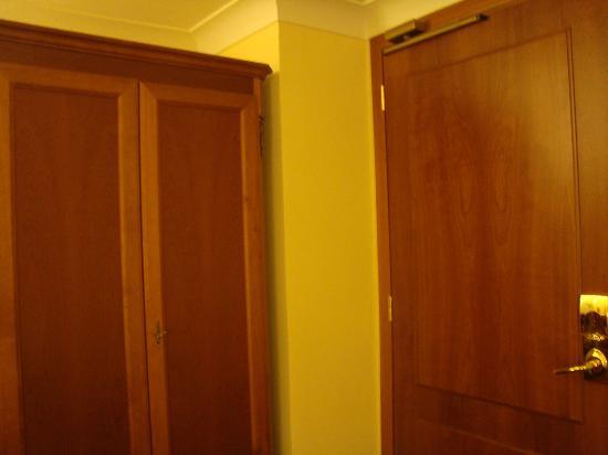 Hotel delle Province: Closet