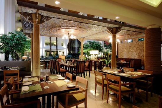 Normal Gran Melia Jakarta Cafe Gran Via Ball