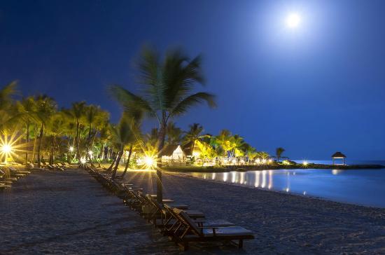 caleton beach club and la palapa by eden roc at night picture of rh tripadvisor ca