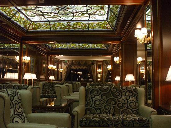 Hotel Splendid: The bar