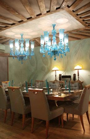 TULIP PRIVATE ROOM - Picture of Turkuaz Restaurant, Jakarta ...