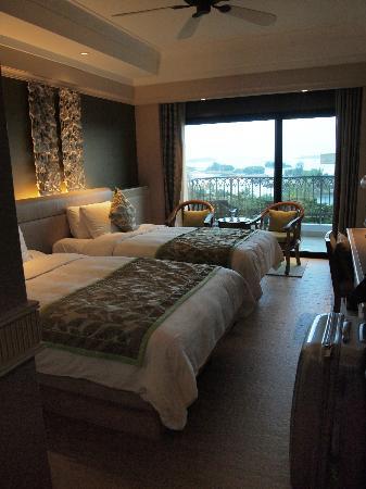 Shangri-La's Rasa Sentosa Resort & Spa: Zimmer No 833 mit Meerblick