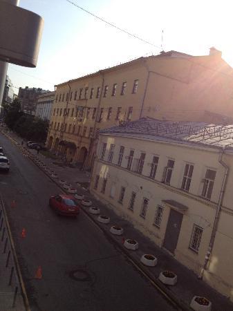 Assambleya Nikitskaya: Вид из окна