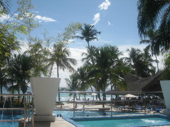 Viva Wyndham Dominicus Beach: Piscina Centrale