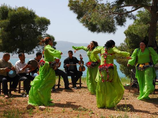Hotel Bin el Ouidane : Excursion island in the lake