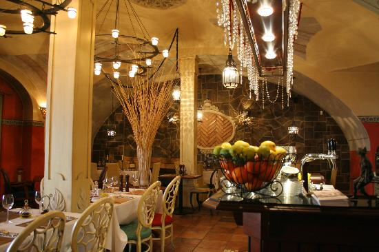 Le Colonial reštaurácia