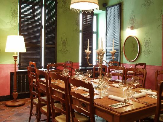 Le Colonial Restaurant : Saloon