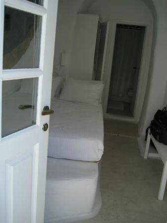 Porto Fira Suites: Our first glance of our room