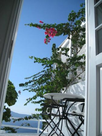 Porto Fira Suites: a lovely place - so quaint, so nice!