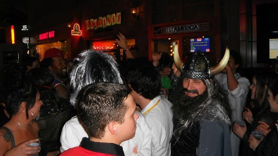 Las Vegas Club Crawl : Crawling Halloween 2012