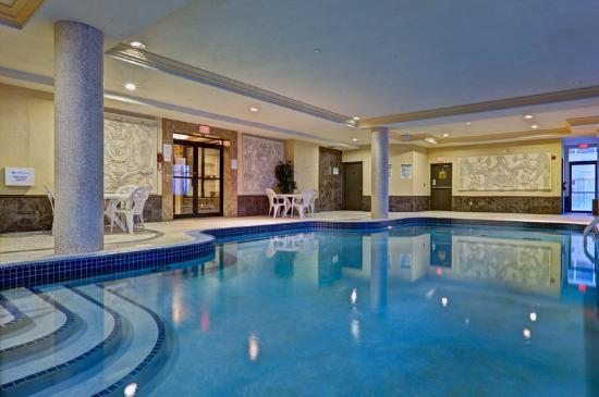 Park inn by radisson toronto airport west updated 2018 for Pool show mississauga