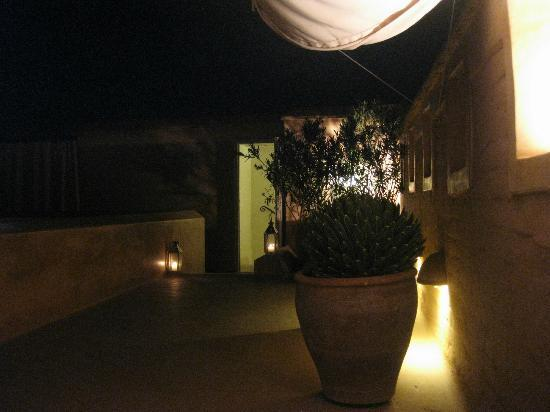 Dar Housnia: Terrace Lighting