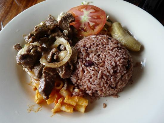 Restaurante Lidia's Place: Beef & onion with rice & beans