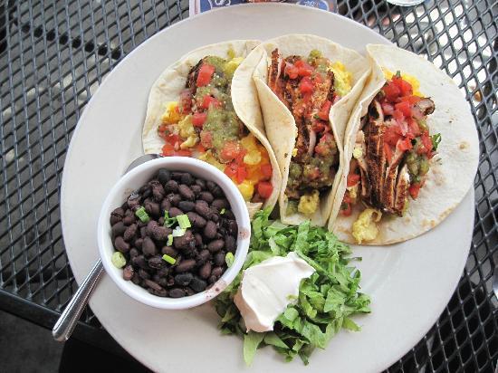 Vickery's Bar & Grill - Glenwood Park: Brunch chicken tacos - GREAT!!