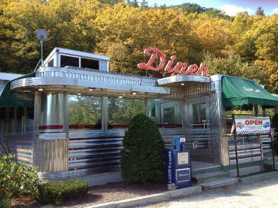 Plain Jane's Diner: Adorable old airstream diner in rural New Hampshire.