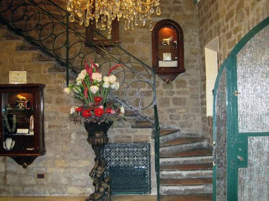Chateau de la Chevre d'Or: Lobby