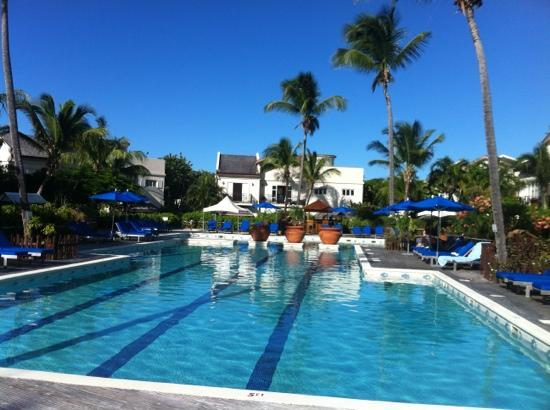 Cotton Bay Village: Lovely swimming pool