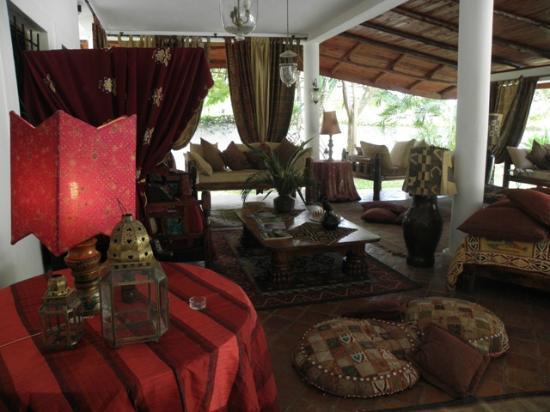 Kenyan House Boutique Hotel: uno dei tanti meravigliosi salotti