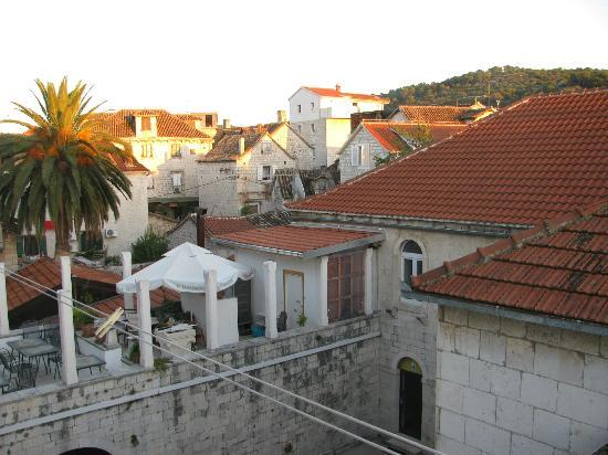Hotel Vila Sikaa: View from the balcony of room 14