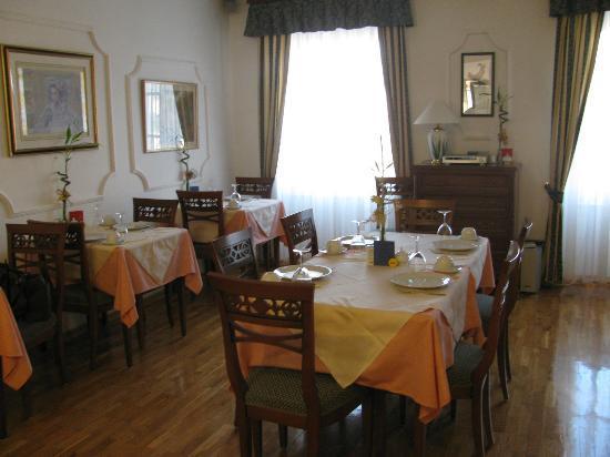 Hotel Vila Sikaa: Breakfast room