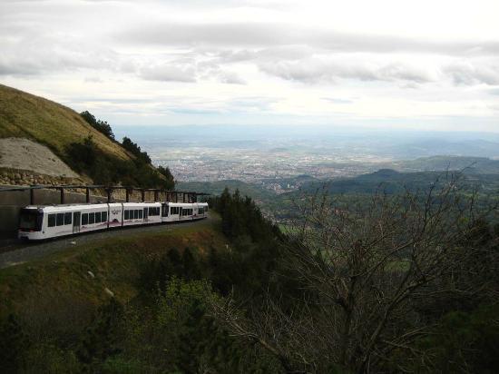 Novotel Suites Clermont Ferrand Polydome : Blick vom Vulkan Puy-du-Dôme nach Clermont Ferrend. Ein wirklcih lohnenswertes Ausflugsziel.