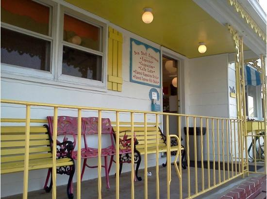 Sea Shell Ice Cream: Look for the bright, yellow trim!