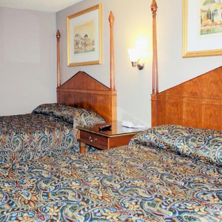 Wayside Motel West Covina Bed