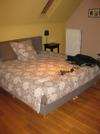 Bed & Breakfast La Cle du Sud: stanza matrimoniale