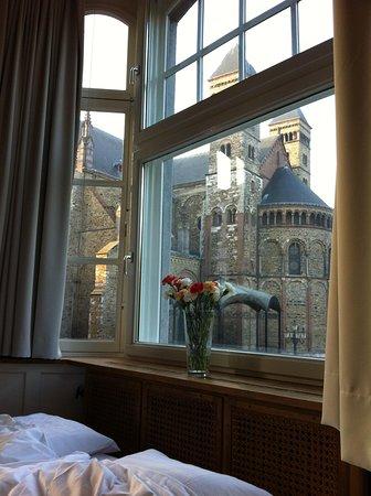 Haas op het Vrijthof : Room with a view