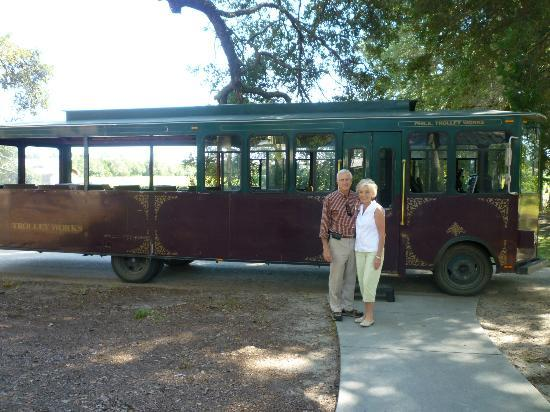 Charleston Tea Plantation: Trolley tour